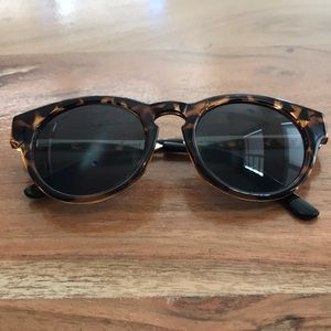 Urban outfitters tortoise and gold sunglasses